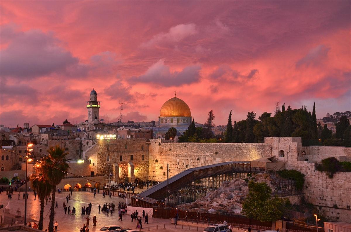 Jerusalem: The Key to Peace and War -