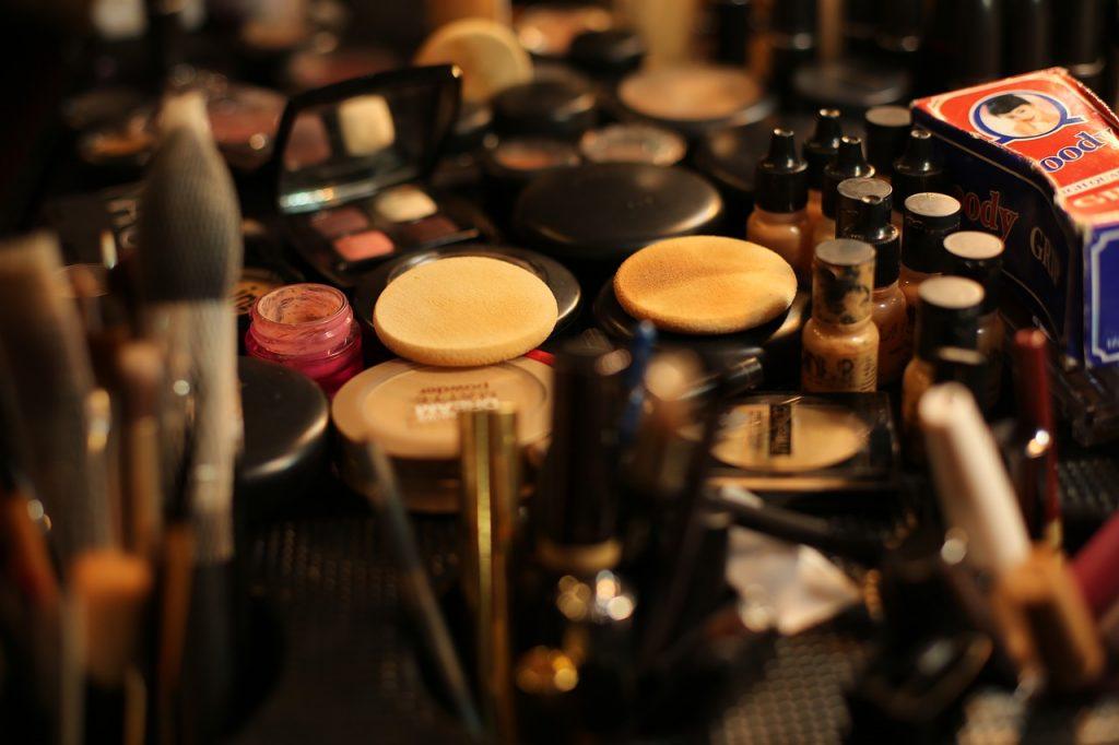 A Makeup Artist's Take on Beauty Perceptions -